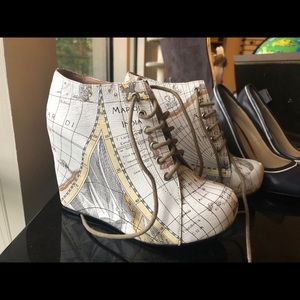 Jeffrey Campbell Shoes, map platform Size 7